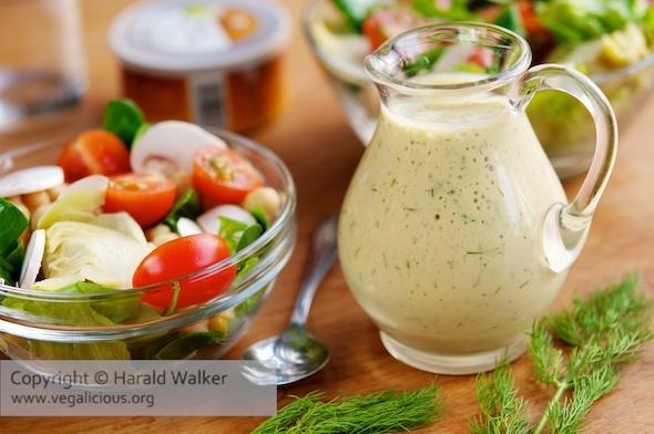 Vegane Senf-Dill Salatsauce